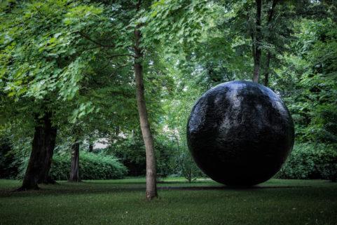 sphere - by julia schewalie
